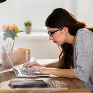 デスクワークしているOLの方向けの「オフィスでこっそりダイエット」を習慣にしませんか?