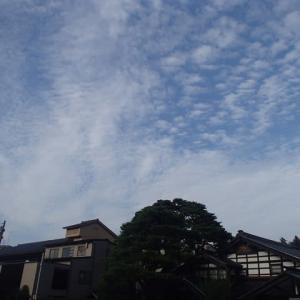 金沢市内今日の午後の雲。蒸し暑い、梅雨の中休みです。