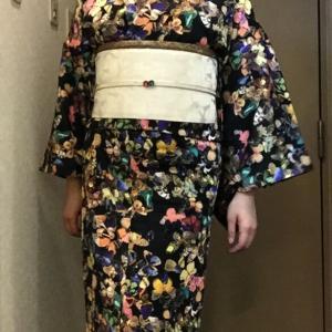 バタフライ着物×バラ織り出し帯