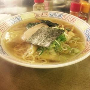 早朝ラーメン 神子田朝市食堂のワンタン麺