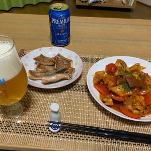 鶏のトマトクリームと秋鮭で晩酌
