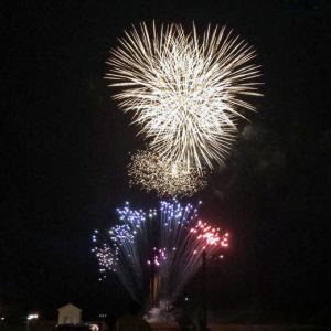 新型コロナ禍 終息願う夜空の大輪 ― 熊本でもシークレットで打ち上げ花火 #cheeruphanabi
