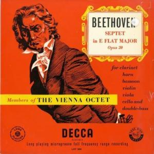 当団&ホルン・ファンの必携アイテム〜豊かで伸びやかな感性に溢れている*ウィーン八重奏団員 ベートーヴェン・七重奏曲