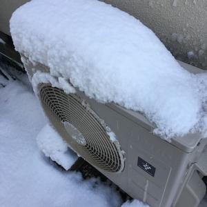 雪の日のエアコンの注意点とは‼️
