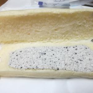 白いコッペパン クッキー&クリーム【ヤマザキ】