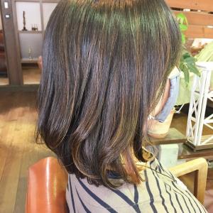 伸ばし途中の前髪パーマ