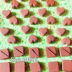 【順調】チョコレートのアクセサリー用準備中