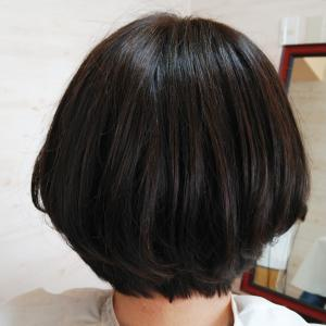 部分ウィッグでショートボブスタイルもふんわりナチュラルなカールが持続してばっちりなヘアスタイリングです