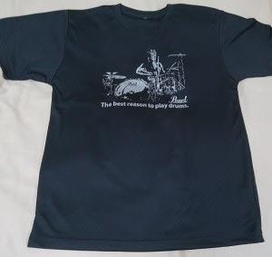 PearlのTシャツ