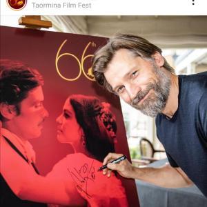 ニコライ・コスター=ワルドーがファミリーでタオルミーナ映画祭に登場!