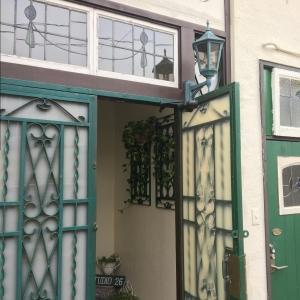 Studio26玄関フード緑化