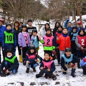 雪の中でのジュニア・ウィンター・キャンプ
