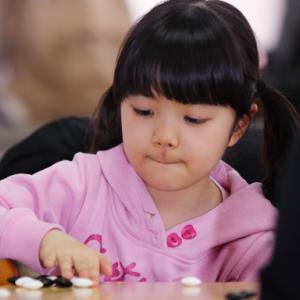 【日本話題】韓国で習った10才の英才仲邑菫(なかむらすみれ)、日本最年少プロになる