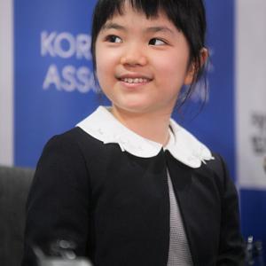 日本の囲碁天才少女中邑菫記者会見「勉強になるから強い相手と打つのが好き」