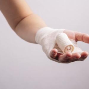 先生、その指、どうしたんですか?!/ホメオパシー