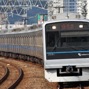 3081F 各駅停車新宿行き