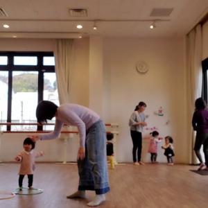 『1歳でも、こんなことが出来るんですね!』驚きと発見がいっぱいのリズム体操♪