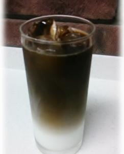 水出しアイスコーヒーで、速攻ツートーンのアイスカフェオレ