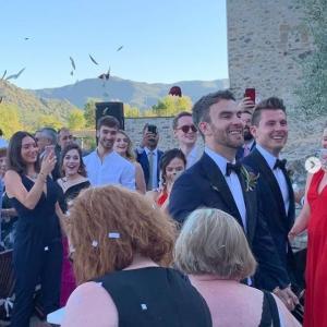 ラドフォードさん と ルイス・フェネロさん ご結婚