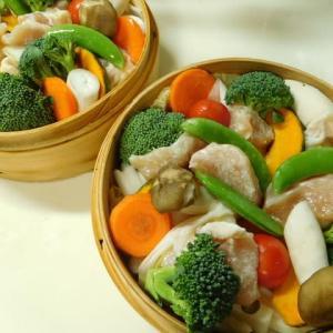 鶏胸肉と彩り野菜のセイロ蒸し♪