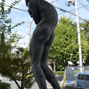 まち歩き北1084  彫刻 「寒」  山崎正義