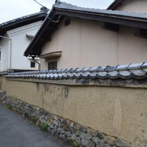蔵のある風景左 岩倉 元八幡宮 付近