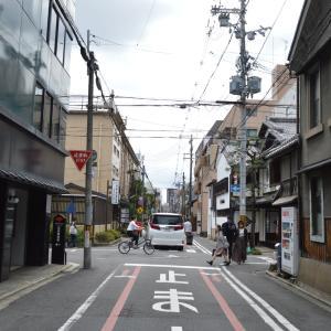 まち歩き中1381 京の通り・富小路通 NO43 六角通