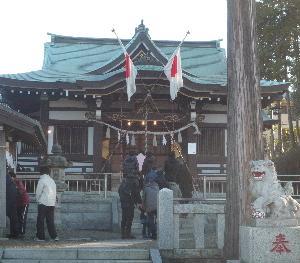 お正月、朝8時過ぎに杉山神社にお参りした。