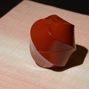 美に触れる 『ひとりたのしむ 昭和巨匠陶藝逸品』より