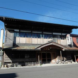 八戸市内の建造122年の新むつ旅館に泊まる③