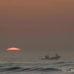 水平線を昇る朝陽