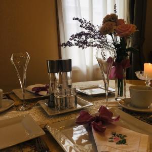 エリカの花のテーブルコーディネート