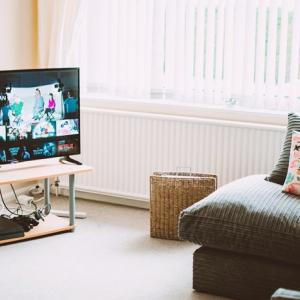 シンプルライフにふさわしいテレビ台とは?