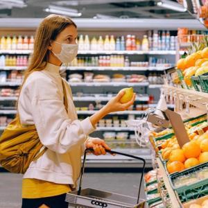 より安全に食品の買い物をする9つのコツ:新型コロナウイルス感染防止を意識した行動。
