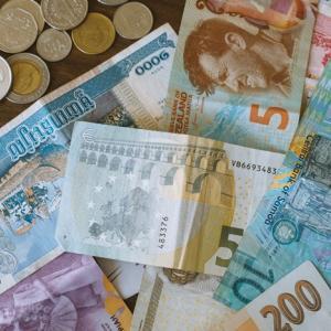 海外旅行で余った外国のお金の使いみち、6つの方法。