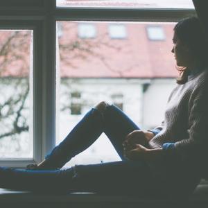 1人でステイホームする孤独と不安を解消するには?