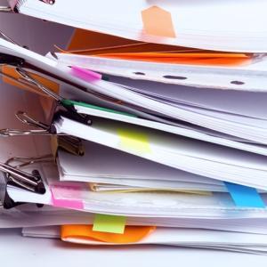 父親(同居)が持っている大量の書類を片付けてもらうには?