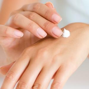 化粧品のサンプルはもう捨てる:取っておきがちだけど、捨てたほうがいいもの(4)
