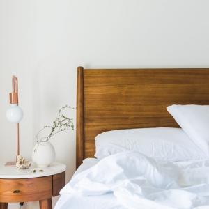落ち着く寝室の作り方~あれこれ物を揃えなくてもリラックスできます。