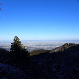 初雪を求めて・・・ カトラ谷経由で金剛山 2