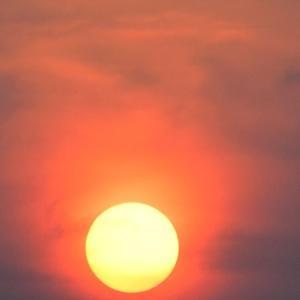 真赤な太陽