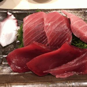 秋葉原「おやじ」鉄火丼とマグロの刺身定食のランチが人気 食べログ3.5超え