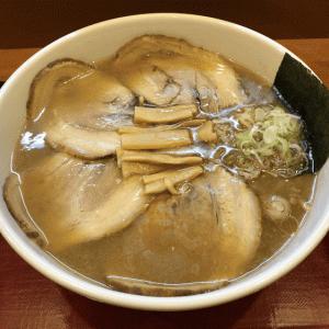 三軒茶屋「めん和正」濃厚スープがめちゃ旨!「永福町 大勝軒」の流れを組む看板のない行列店