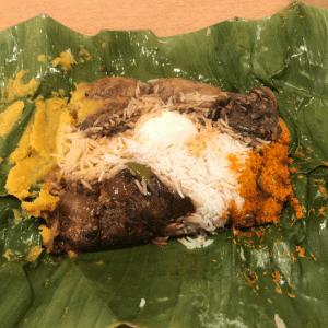 五反田「アラリヤ ランカ」大人気スリランカ料理店で バナナの葉で包んだランプライス