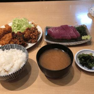 爆弾牡蠣!+エビ+肉厚鰹刺身で1,000円!新橋コスパ最強ランチ「伊萬里」