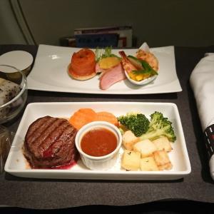 JAL JL884  上海(浦東) – 名古屋 ビジネスクラス機内食 11SEP19