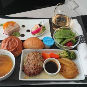 JAL JL873  成田 – 上海(浦東) ビジネスクラス機内食 11SEP19