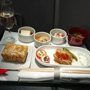 JAL JL327 羽田 – 福岡 ファーストクラス機内食 28OCT19