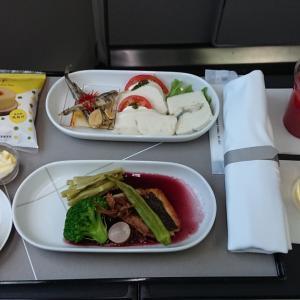 JAL JL327 羽田 ~ 福岡 ファーストクラス機内食  20JUN20