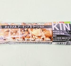FamilyMart ファミリーマート スイーツ 『 キャラメルアーモンド&シーソルト 』 アメリカ原産のお菓子♪